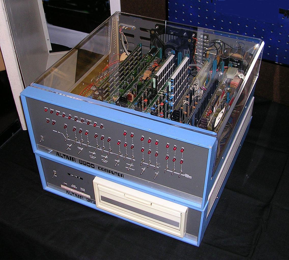 Персональный компьютер Altair 8800